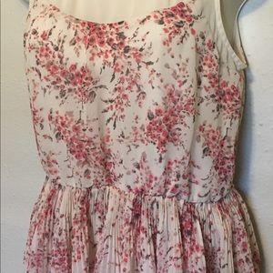 Lauren Conrad Elegant Sleeveless Top Size Small LC